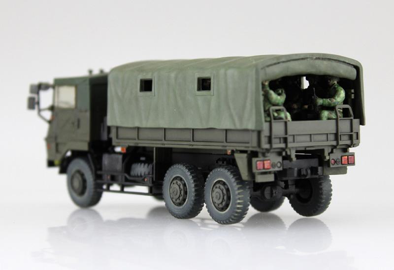 陸上自衛隊 73式大型トラック 3t半(乗車隊員20体セット)