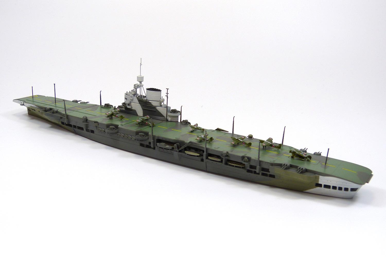 英国海軍 航空母艦 ビクトリアス...
